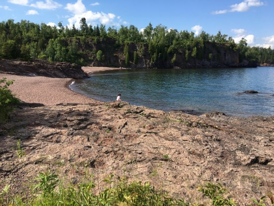 Two Harbors, MN: Lake Superior by the picnic area