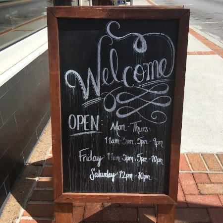 Hapeville, GA: Welcome to Volare> Bistro Hours
