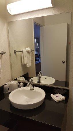 Motel 6 Twin Falls: 20170803_194606_large.jpg