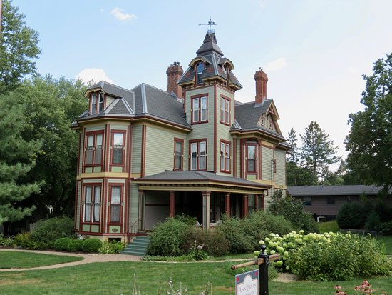 Neat houses - Picture of Stillwater Trolley Company, Stillwater ...