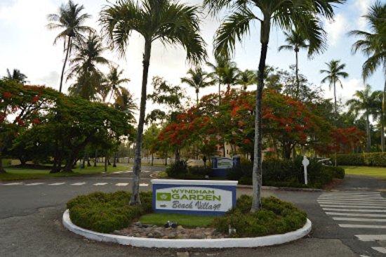 Entrada Del Hotel Picture Of Wyndham Garden At Palmas Del Mar Humacao Tripadvisor