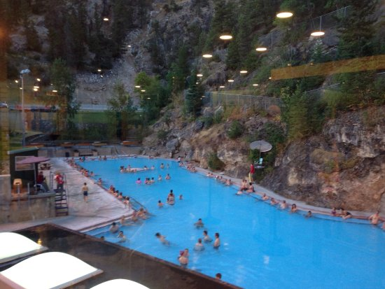 Radium Hot Springs, Canada: photo1.jpg
