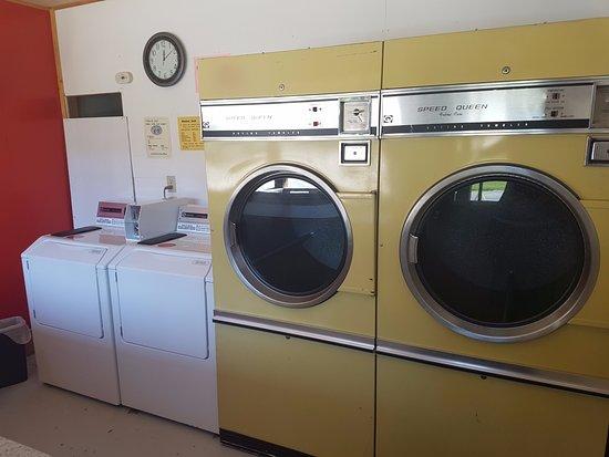 Blairmore, Canada: Laundry room