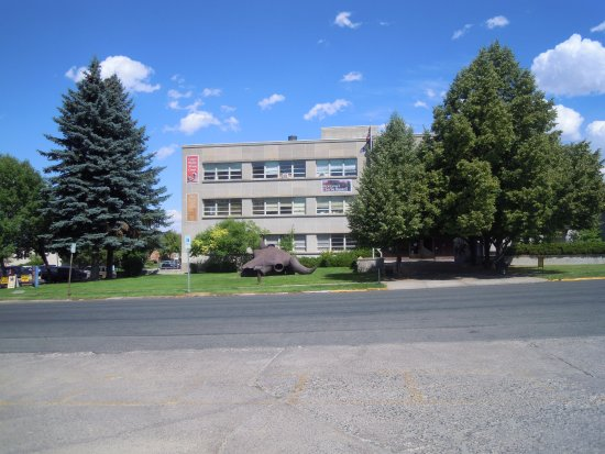 Helena, MT: Outside picture of the front of the museum