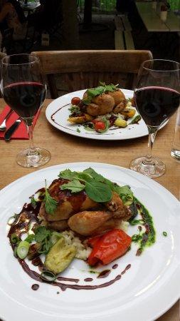 Cafe Restaurant de l'Ecluse: 20170804_201619_large.jpg