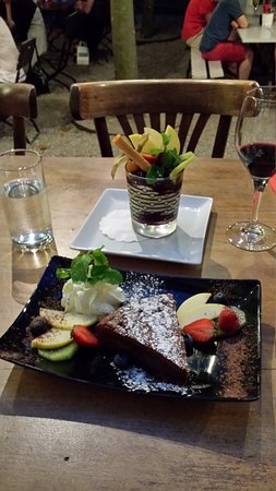 Cafe Restaurant de l'Ecluse: 20170804_212414_large.jpg