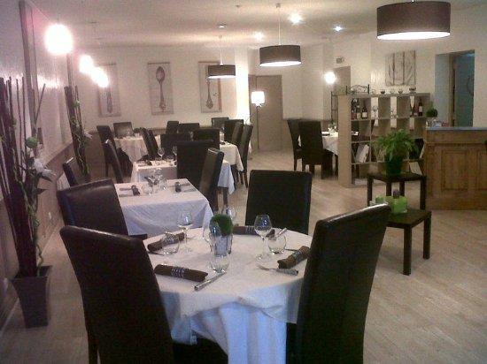 Charlieu, France: Salle du restaurant