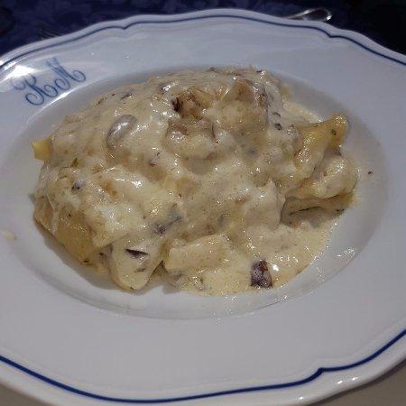 Vernio, Italia: lasagnette ai funfhi