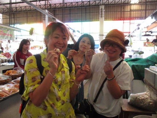 San Sai, Tailandia: at morning market tour