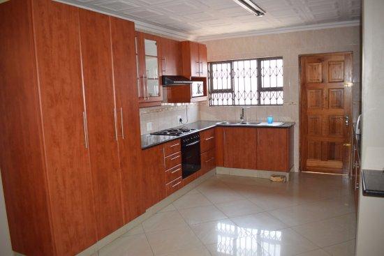 Kitchen Area Picture Of Vilakazi Backpackers Soweto Tripadvisor