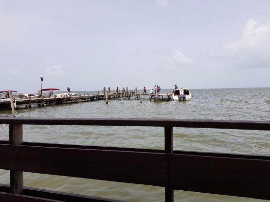 Club Calypso Seafood Restaurant: Vista externa durante el día