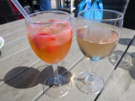 Ljugarn, Sweden: Fruit punch and rosé wine