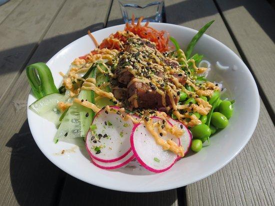 Ljugarn, Sweden: Poké bowl with great flavours