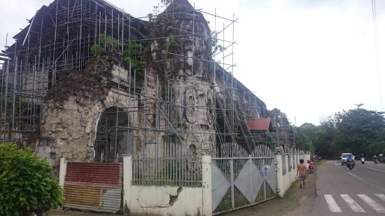 Loboc, Filipinas: Restoration going on.