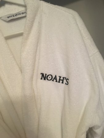Stanley, Australia: King Suite Ensuite - Sheridan Bathrobe