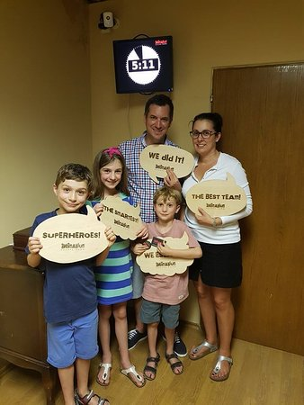 Murska Sobota, Slovenien: Familly escaped from mistery room 5 minutes before time ran out!