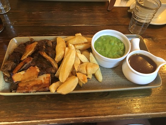 The Royal Oak: Minted Lamb Pie