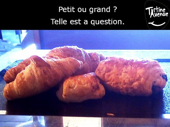 Romorantin, France: Viennoiseries : pains au chocolat et croissants