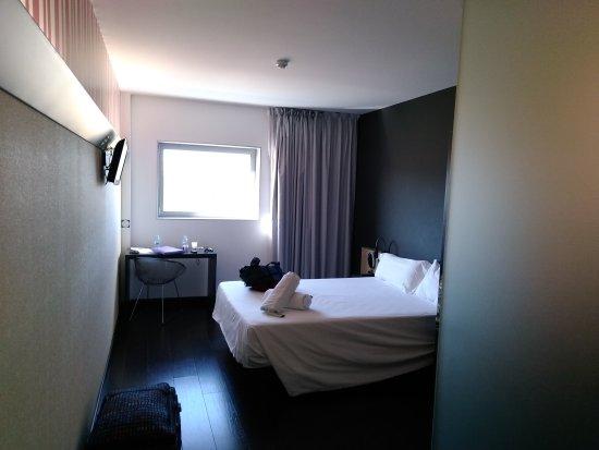 B&B Hotel Granada: IMG_20170722_101151_large.jpg