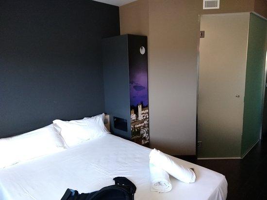 B&B Hotel Granada: IMG_20170722_101141_large.jpg