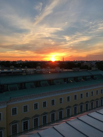 SO/ Sofitel St. Petersburg: Rooftop Sunset view from the rooftop lounge.