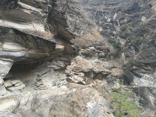 Condado de Shangri-La, China: the view on Upper trail of Tiger Leaping Gorge