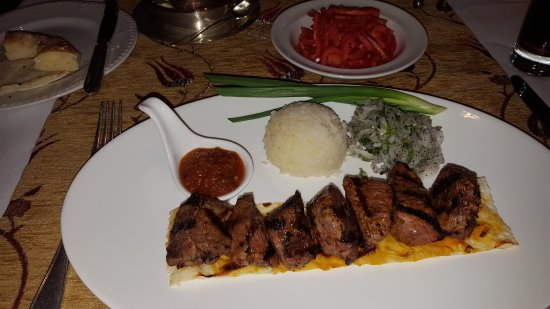 Bosphorus Restaurant: Lamb shish kabob