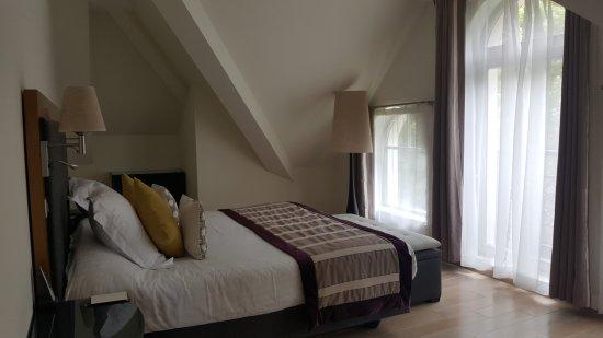 Le Castel Maintenon Hotel