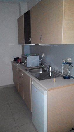 Rachoni Bay : кухня в номере