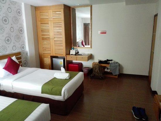 Talat Yai, Thailand: Double bed room