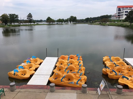 Beloit, WI: Riverside Park Paddleboats & Concessions