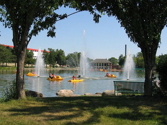 Riverside Park Paddleboats & Concessions