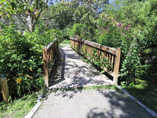 Acton, MA: one of the bridges
