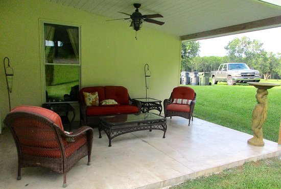 Cropwell, AL: Small Patio