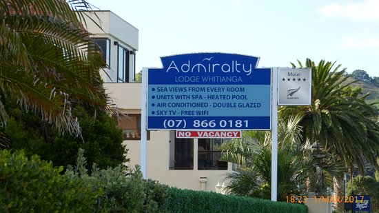 Admiralty Lodge Motel: Exterior