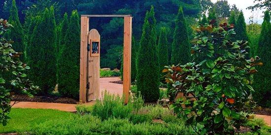 Stunning Gardens & Beautiful Views