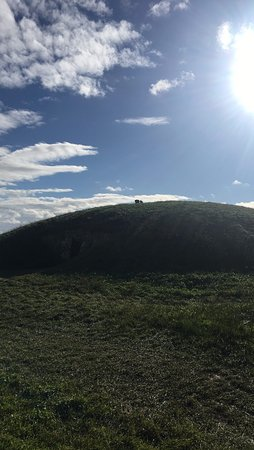County Meath, Irlanda: One of the mounds