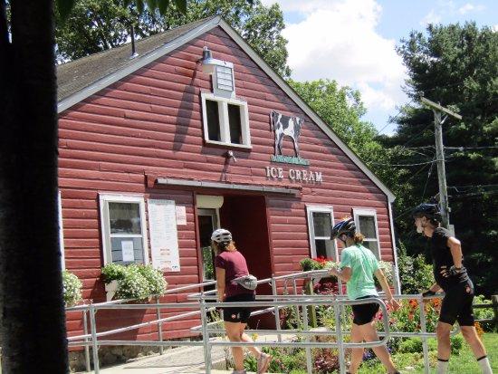 Carlisle, MA: Ice Cream spot