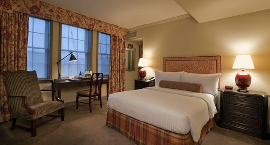 The Henley Park Hotel: Deluxe king room