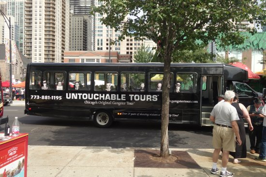 Untouchable Tours : The tour bus is quite comfortable, although the airconditioning could have been more efficient.