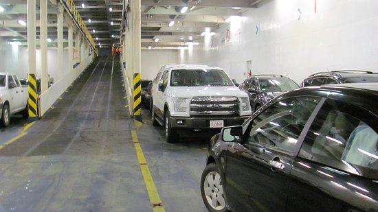 North Sydney, Канада: parking in the bowels of the ship