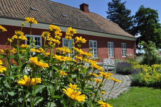 Jaegerspris, Dänemark: Et besøg på udstillingen kan nemt kombineres med et besøg i museets dejlige have.