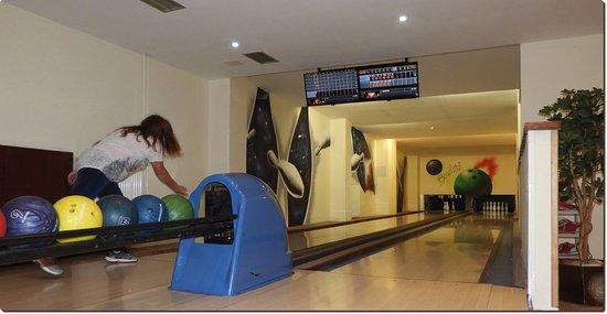 Tatranska Javorina, Slowakije: Very own 2-lane bowling