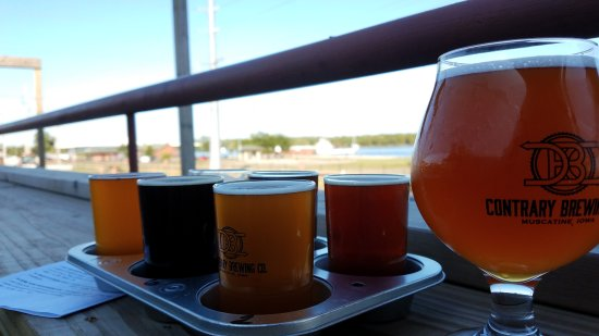 Muscatine, IA: Beer Flight w/ Apricot Wheat