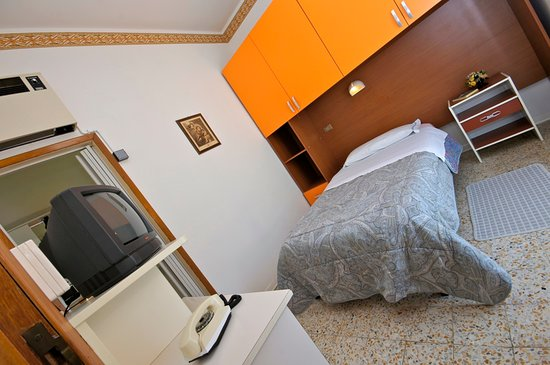 Victory Hotel Prices Reviews Cesenatico Italy