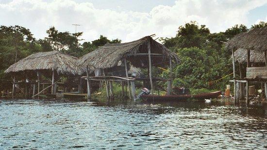 Дельта реки Ориноко, Венесуэла: village