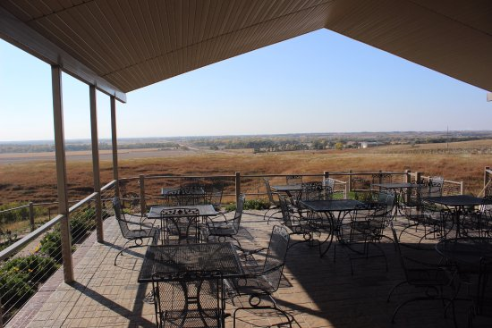 Saint Paul, NE: Miletta Vista Winery has beautiful outdoor setting for visitors.