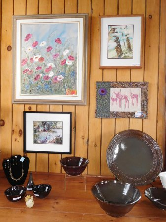 Station Gallery of Fenelon Falls: Give a Canadian gift from Kawartha artists.