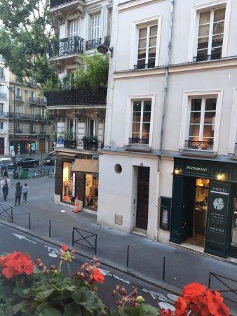 Hotel Abbatial Saint Germain: View from room