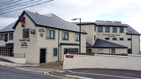 Strandhill, Ireland: façade